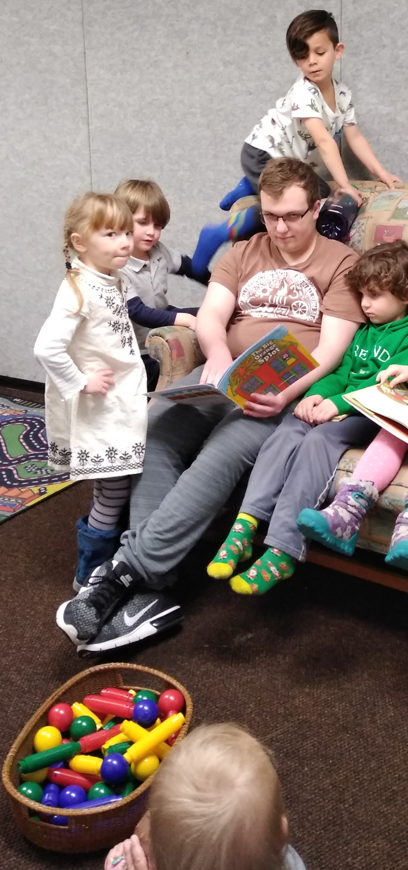 Colin Reading to Kids 3