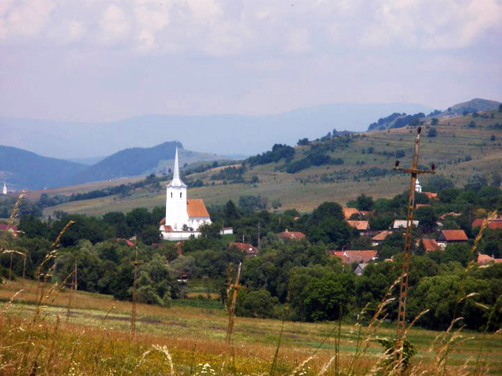 Homorod Valley w church